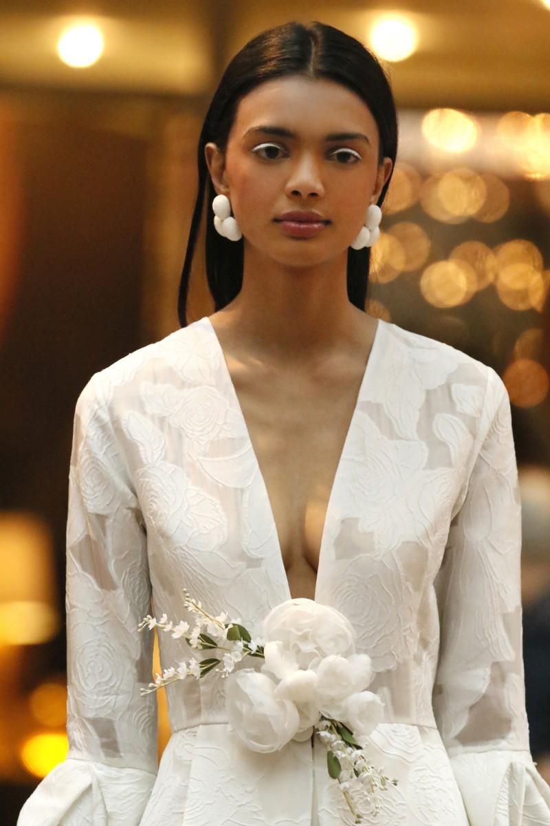 Fashion trend of 2017 - Sachi Amp Babi Nyfw Bridal 2018 Photo By Cheryl Gorski 1
