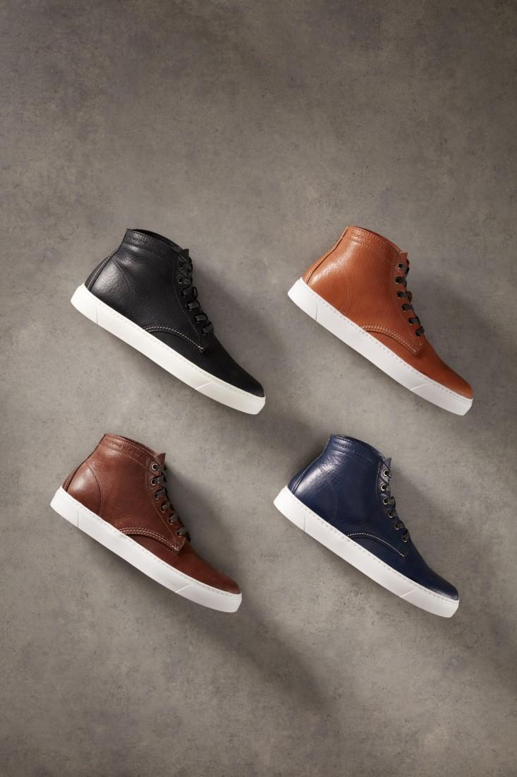 Original Sneaker Colors Angled Vert