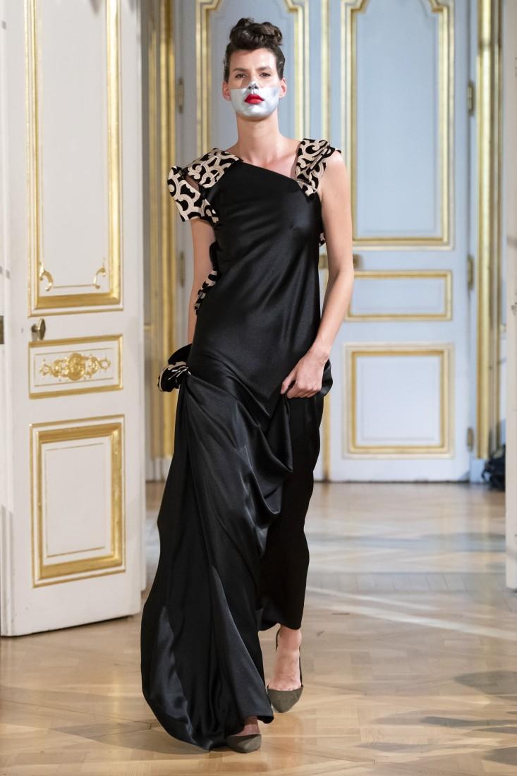 Photos défilé fashion show Patuna Couture Carré dAs Collection automne hiver fall winter 2018 2019 PFW © Imaxtree 14