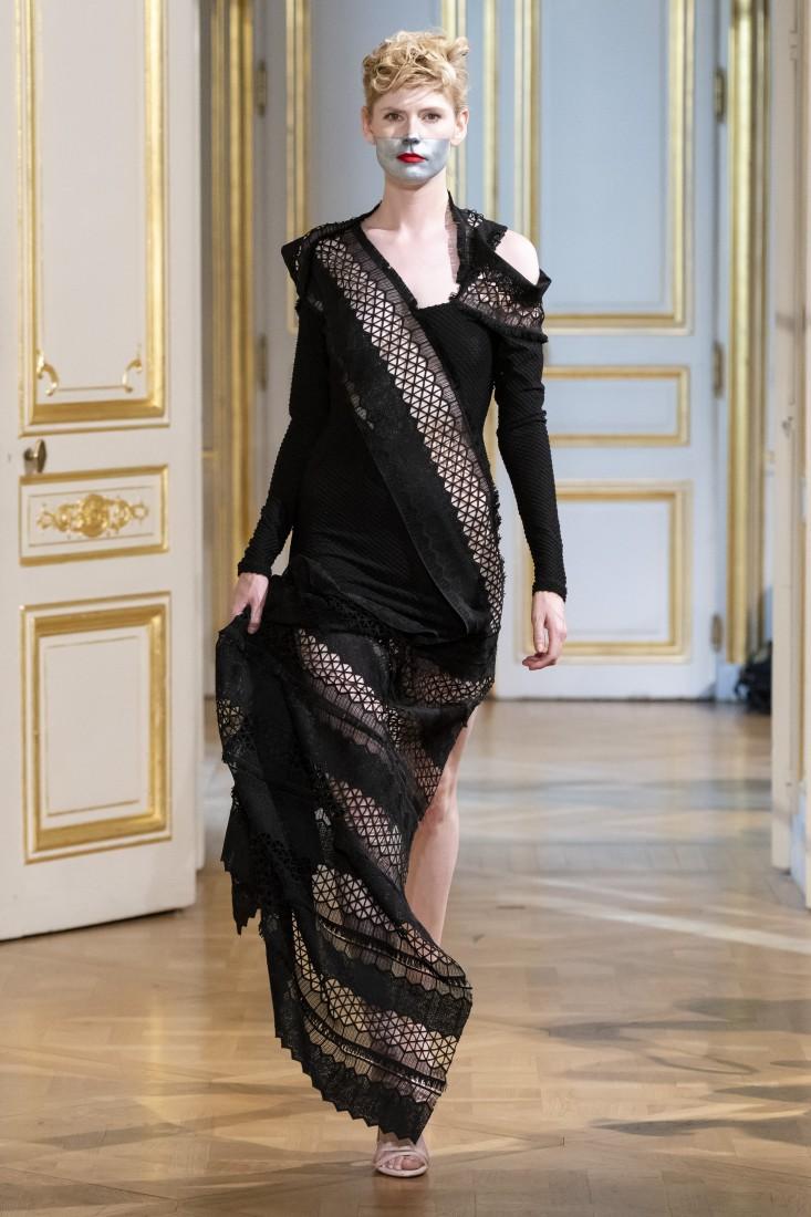 Photos défilé fashion show Patuna Couture Carré dAs Collection automne hiver fall winter 2018 2019 PFW © Imaxtree 15