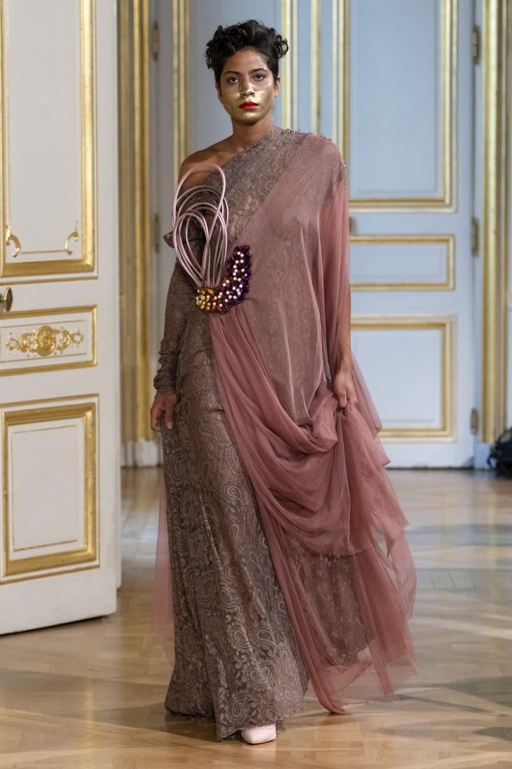 Photos défilé fashion show Patuna Couture Carré dAs Collection automne hiver fall winter 2018 2019 PFW © Imaxtree 17