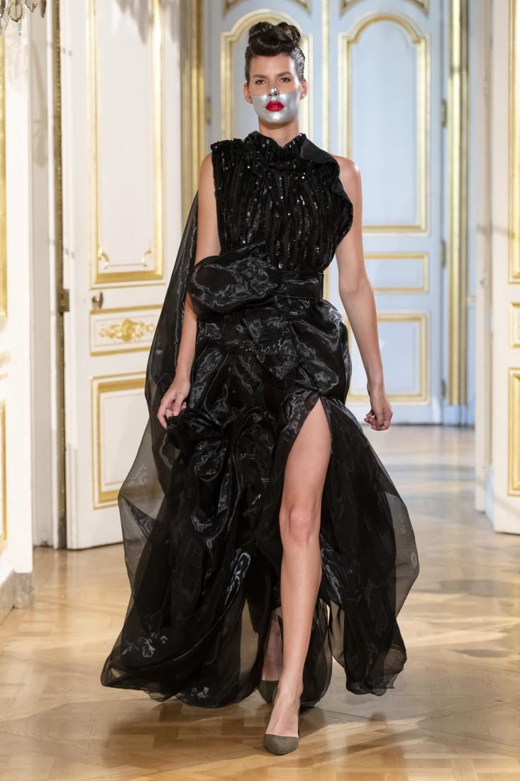 Photos défilé fashion show Patuna Couture Carré dAs Collection automne hiver fall winter 2018 2019 PFW © Imaxtree 2