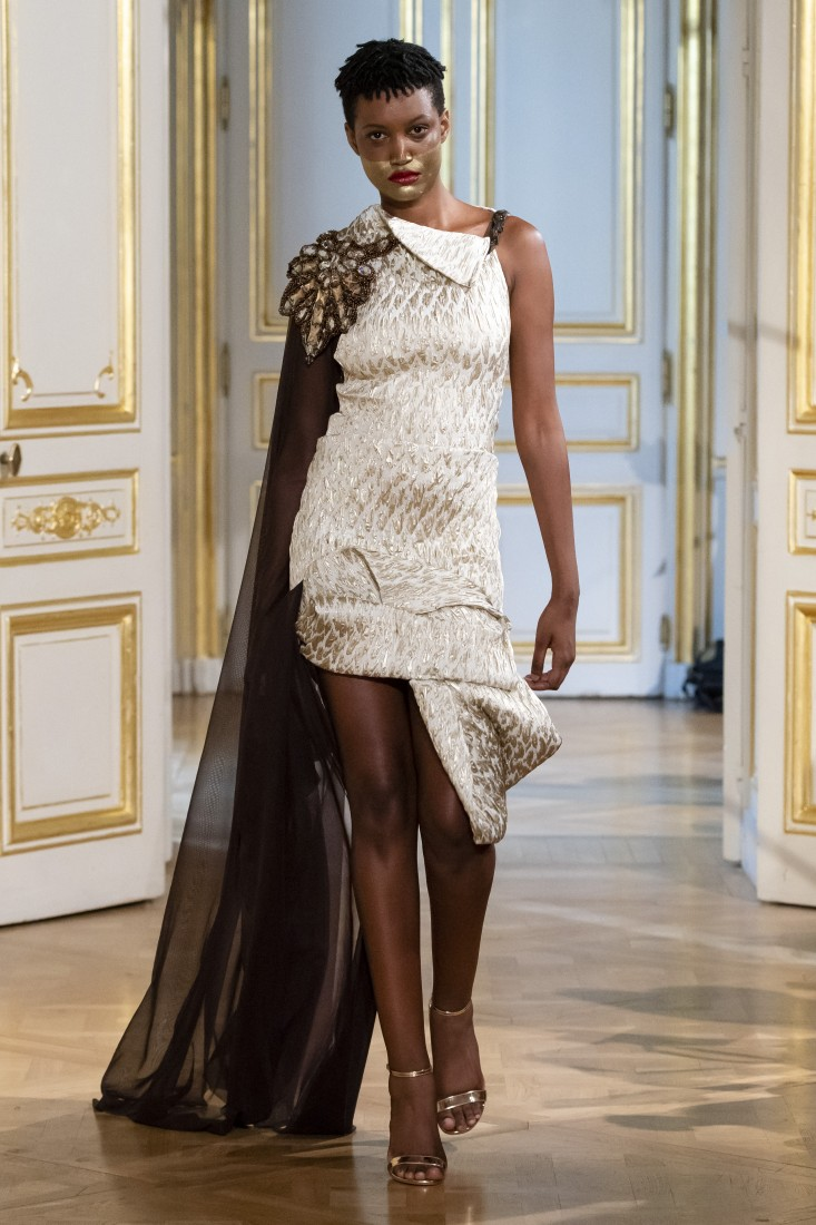 Photos défilé fashion show Patuna Couture Carré dAs Collection automne hiver fall winter 2018 2019 PFW © Imaxtree 9
