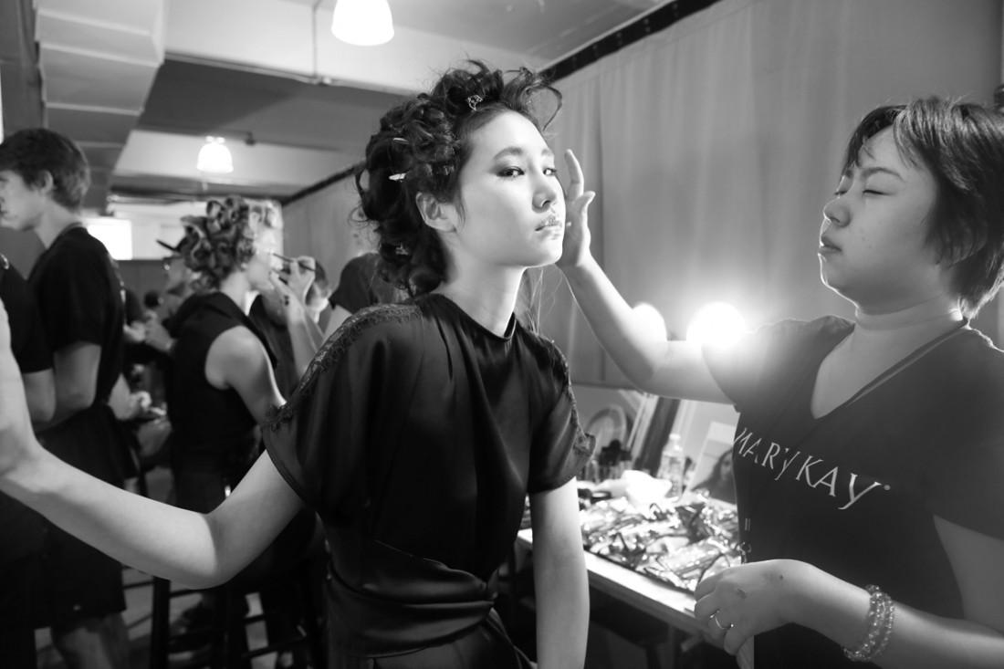 Backstage@Nicole Miller NYFW SS2019 photo by Cheryl Gorski 57