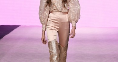 eimy istoire Vancouver Fashion Week SS2019 photo by Arun Nevader for Getty Images 13