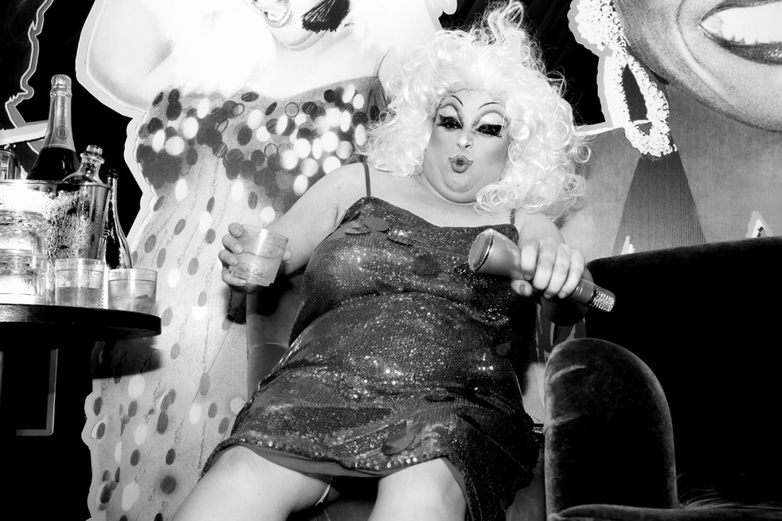 Queen Robert as Divine @ RICHARD BERNSTEIN STARMAKER ANDY WARHOLS COVER ARTIST BOOK LAUNCH photo by Cheryl Gorski 46