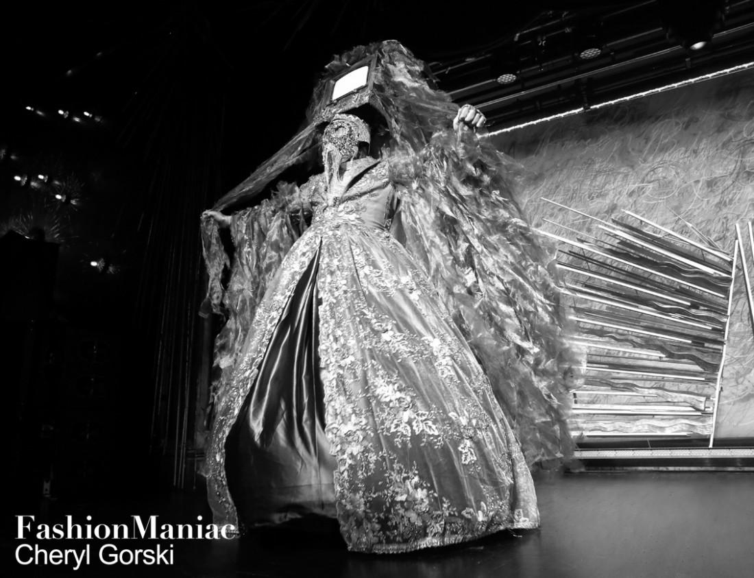 Susan Bartsch Belladonna photo by Cheryl Gorski 122