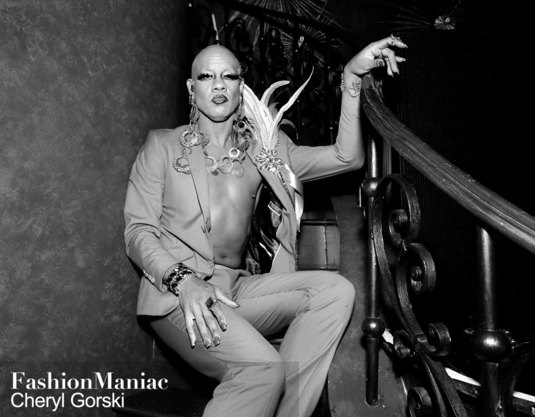Susan Bartsch Belladonna photo by Cheryl Gorski 200