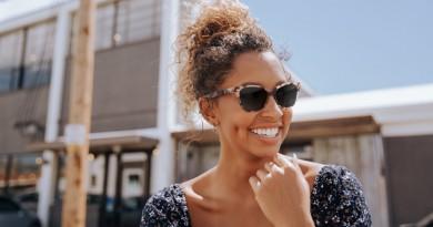 Model in Erin Pink Tortoise Sunglasses