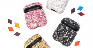 The Sis Kiss Ear Pod Cases