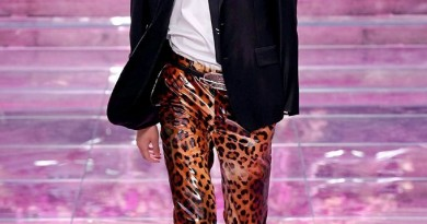 Versace Milan Mens SS2020 photos by imaxtree 28