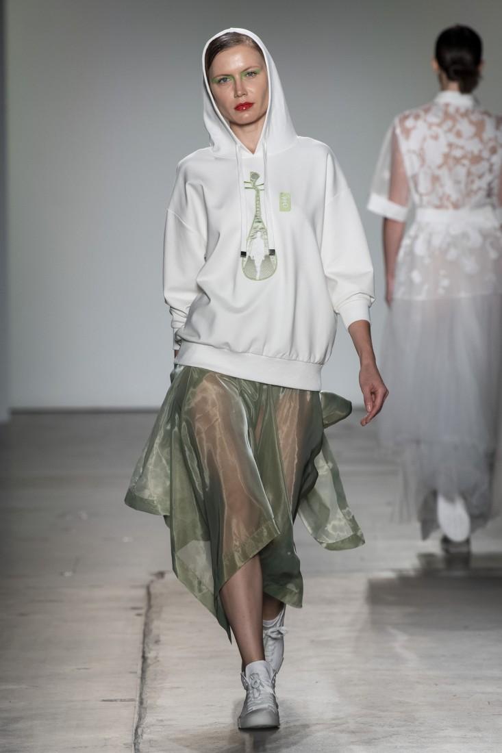 Bailuyu by Fu Wenjie Global Fashion Collective NYFW SS2020 photos by IMAXTree 11