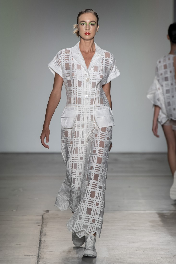 Bailuyu by Fu Wenjie Global Fashion Collective NYFW SS2020 photos by IMAXTree 24