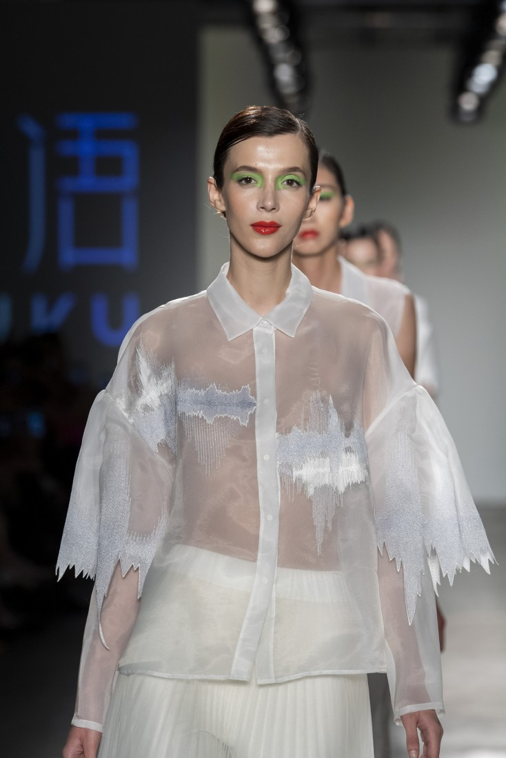 Bailuyu by Fu Wenjie Global Fashion Collective NYFW SS2020 photos by IMAXTree 37