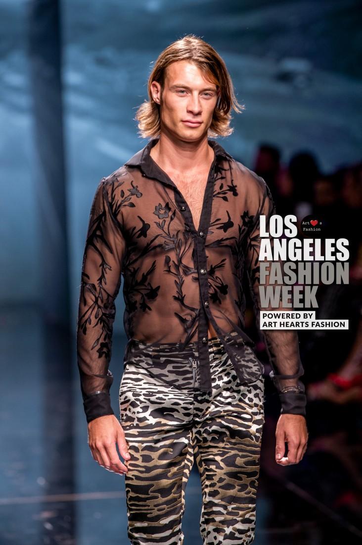 DULCE BESTIA LA FW Art Hearts Fashion SS2020 photos by Johnathan Sutton 13