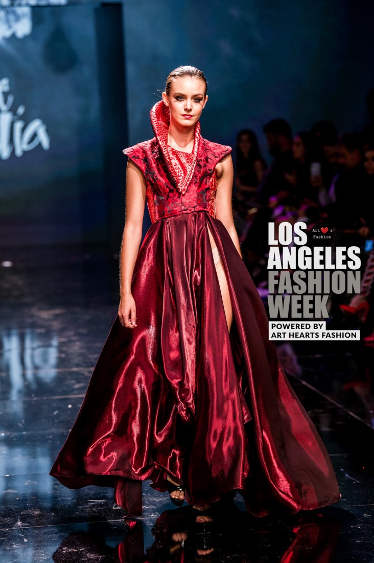 DULCE BESTIA LA FW Art Hearts Fashion SS2020 photos by Johnathan Sutton 28