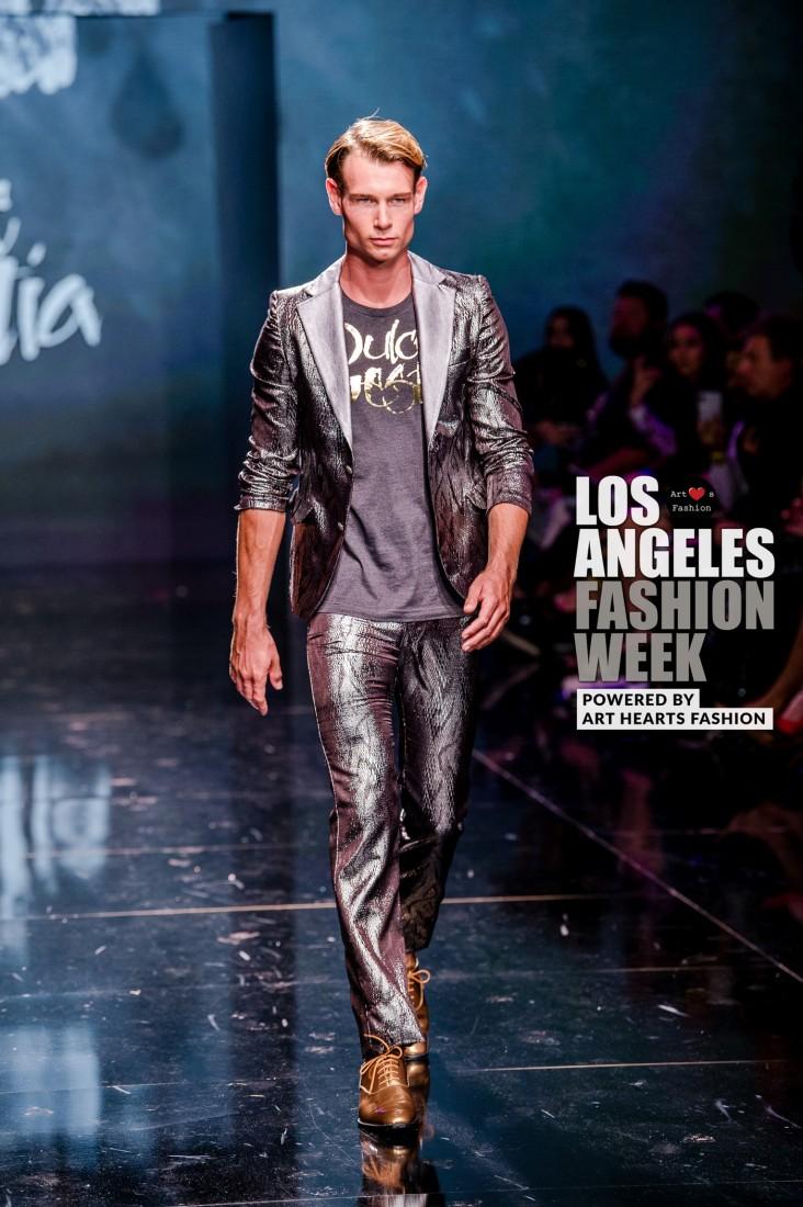 DULCE BESTIA LA FW Art Hearts Fashion SS2020 photos by Johnathan Sutton 8