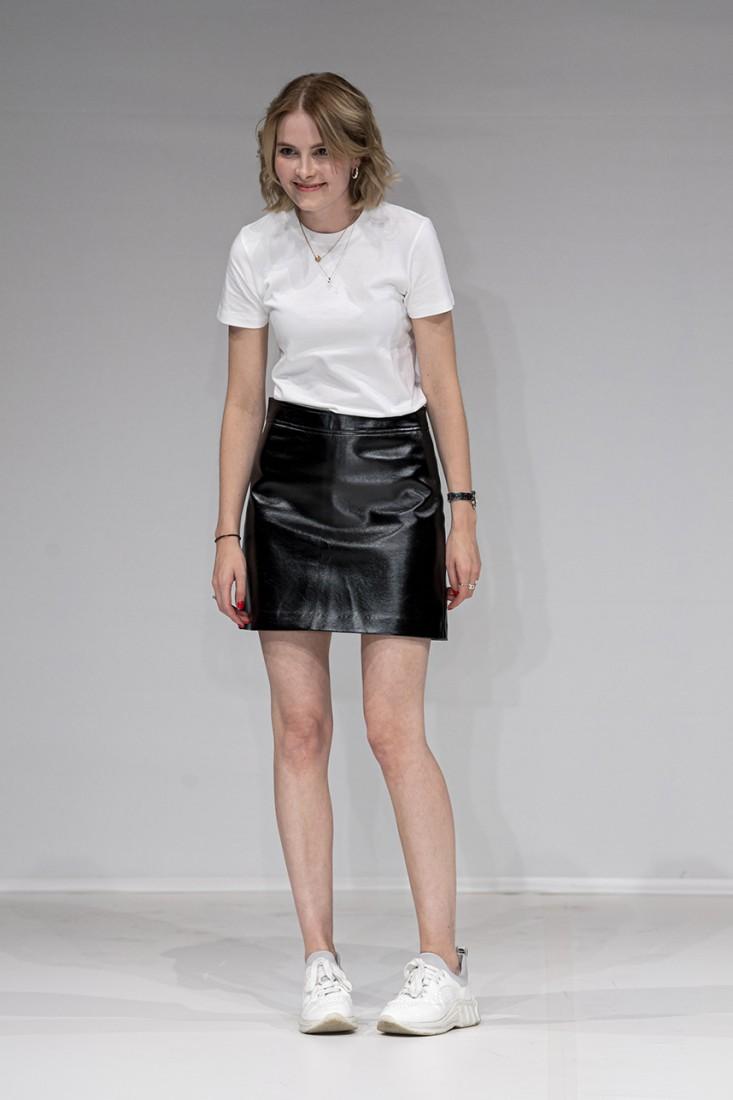 Leonie Mergen@Oxford Fashion Studio London SS2020 photo by IMAXTREE 20