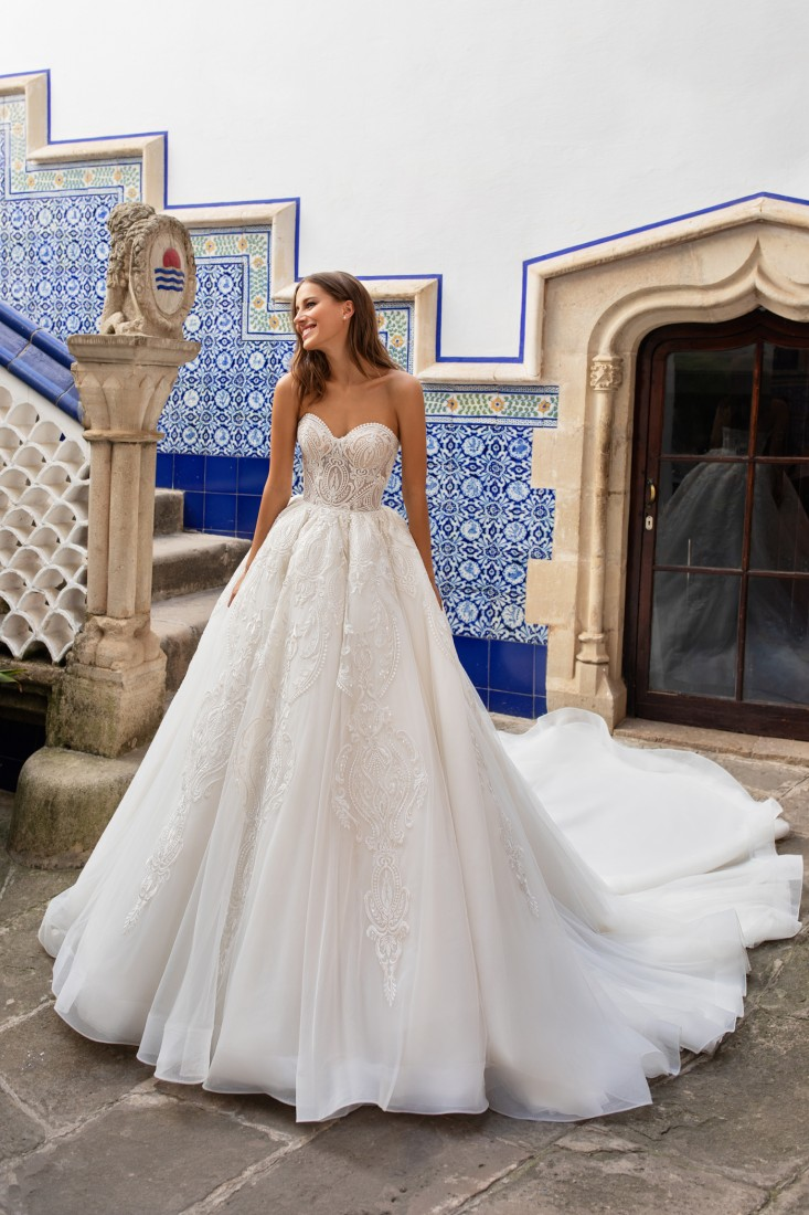 Pronovias and Kleinfeld Reveal 2020 Capsule Collection 10