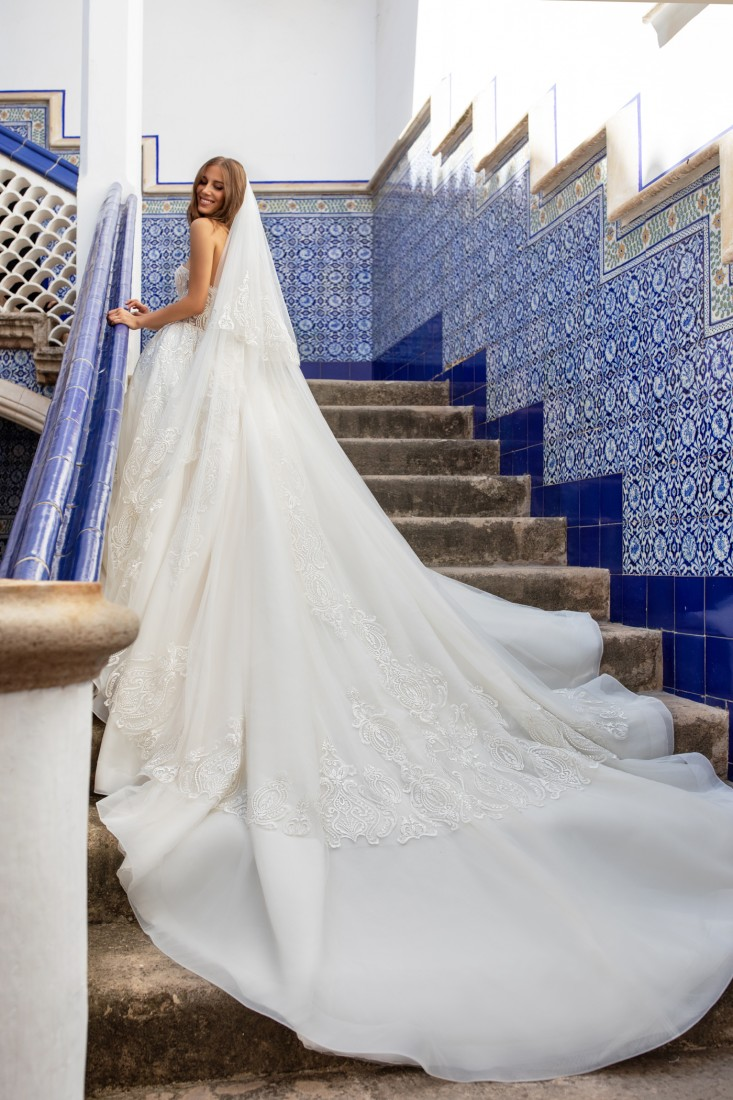 Pronovias and Kleinfeld Reveal 2020 Capsule Collection 11