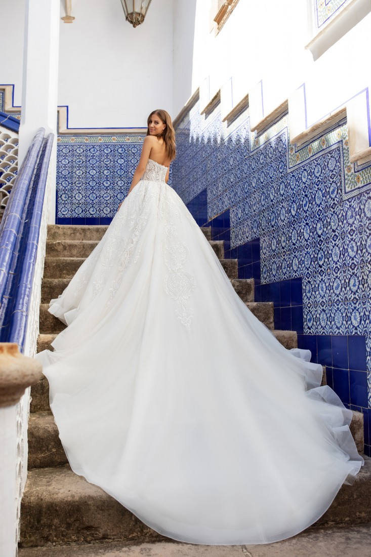 Pronovias and Kleinfeld Reveal 2020 Capsule Collection 12