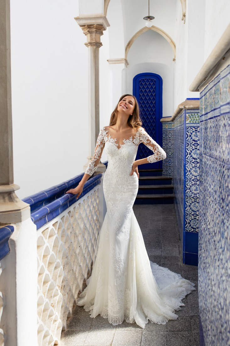 Pronovias and Kleinfeld Reveal 2020 Capsule Collection 18