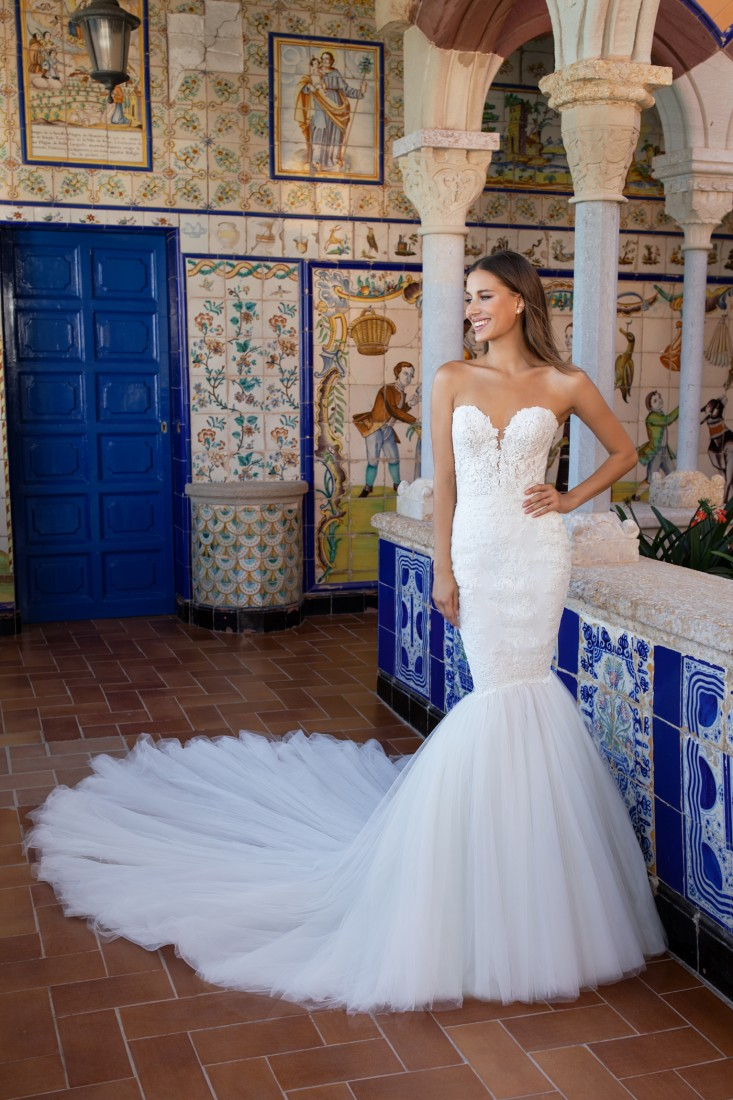 Pronovias and Kleinfeld Reveal 2020 Capsule Collection 19