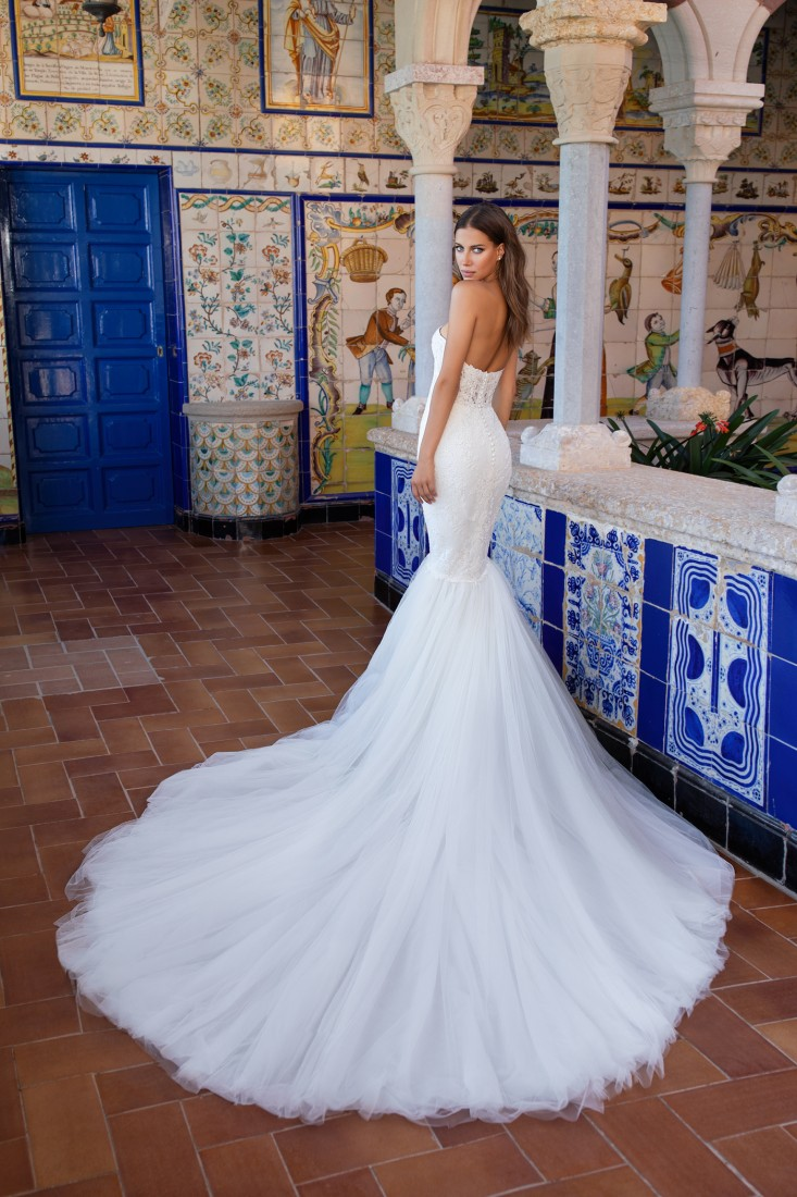 Pronovias and Kleinfeld Reveal 2020 Capsule Collection 20