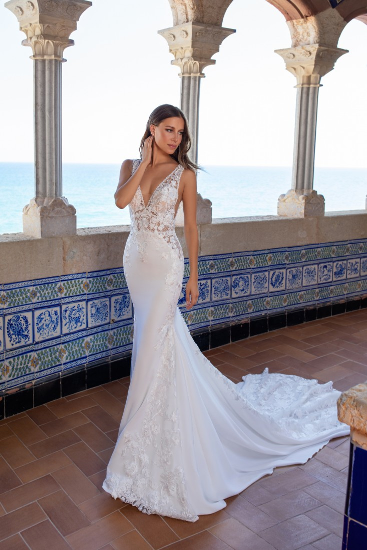 Pronovias and Kleinfeld Reveal 2020 Capsule Collection 21