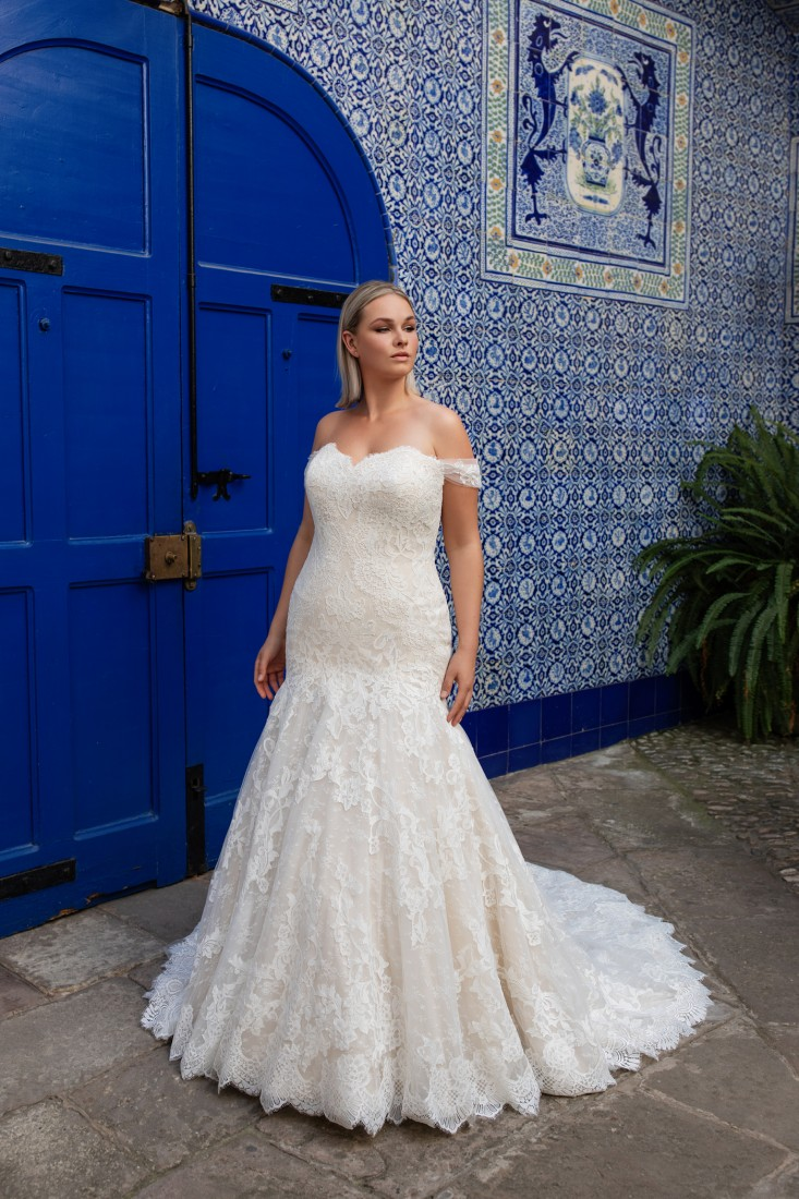 Pronovias and Kleinfeld Reveal 2020 Capsule Collection 24