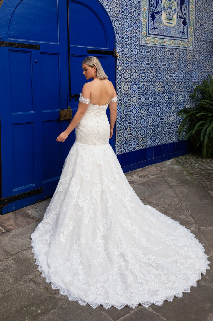 Pronovias and Kleinfeld Reveal 2020 Capsule Collection 25