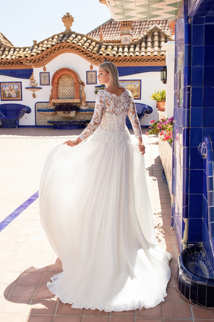 Pronovias and Kleinfeld Reveal 2020 Capsule Collection 27