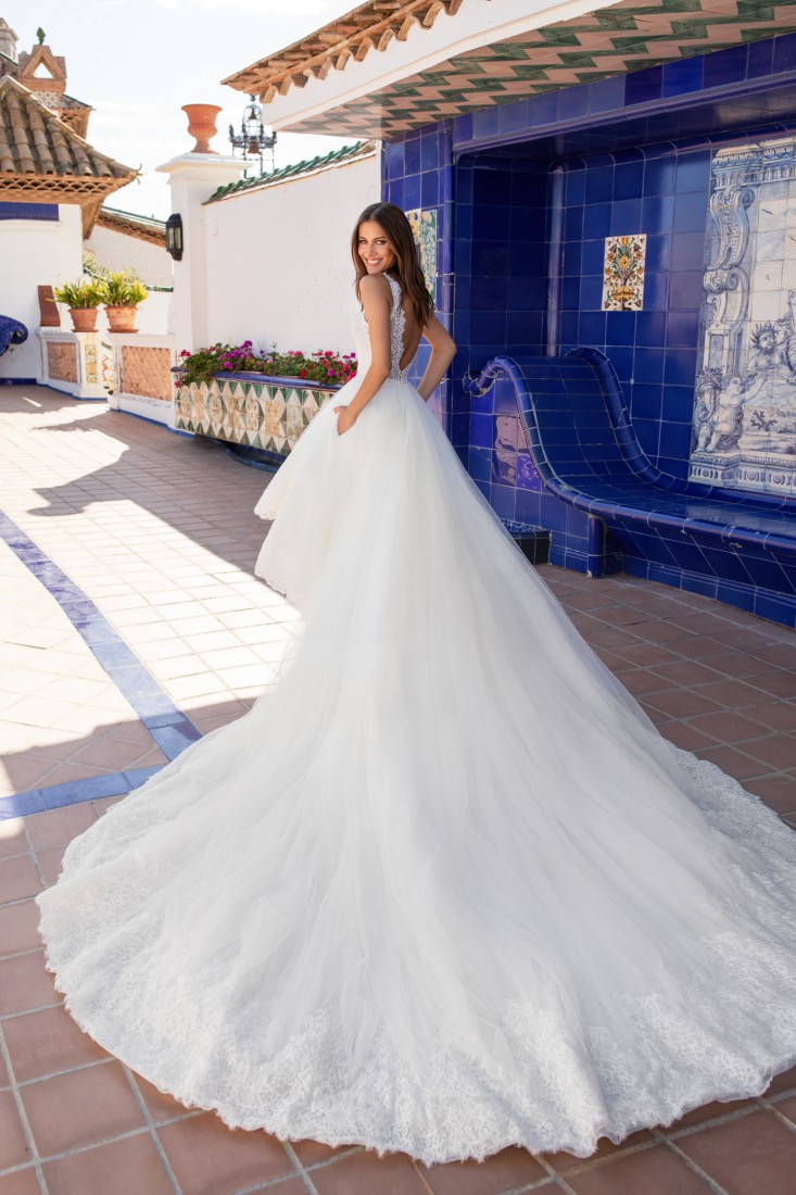 Pronovias and Kleinfeld Reveal 2020 Capsule Collection 29