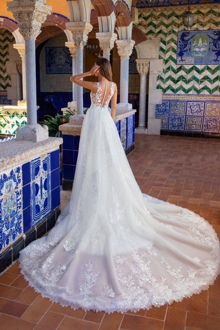 Pronovias and Kleinfeld Reveal 2020 Capsule Collection 7