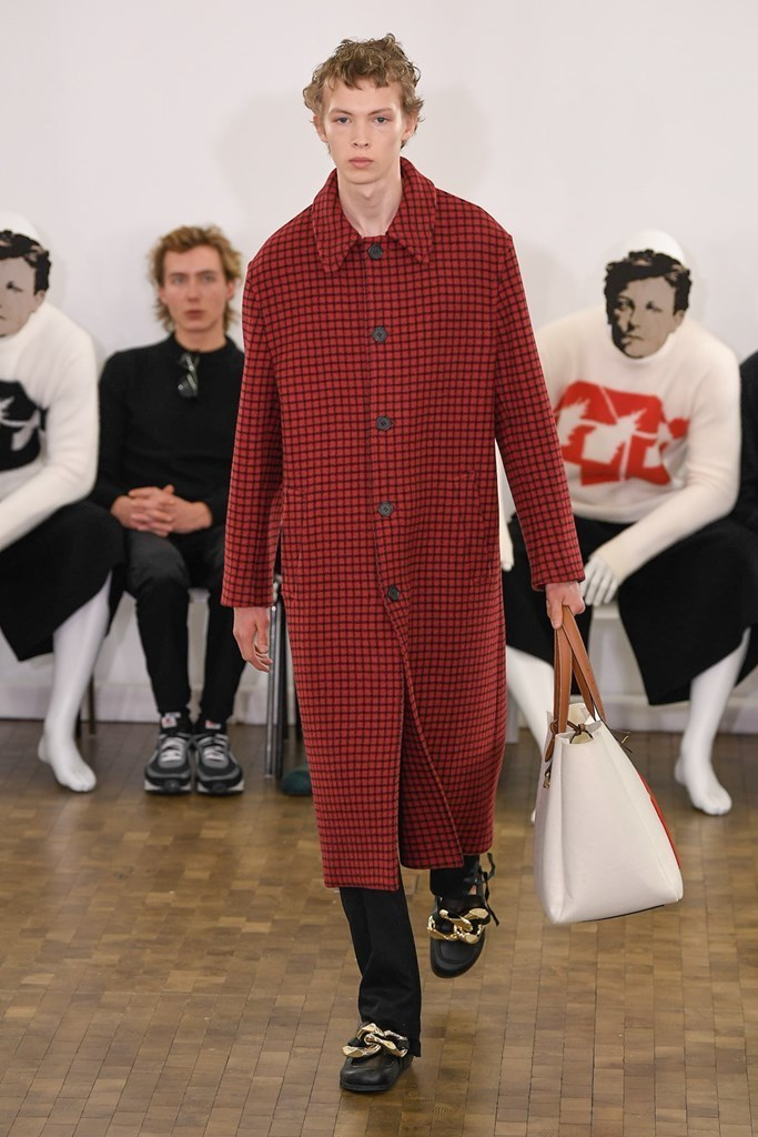 J.W. Anderson PARIS MENS FW2020 photos by IMAXTree 27