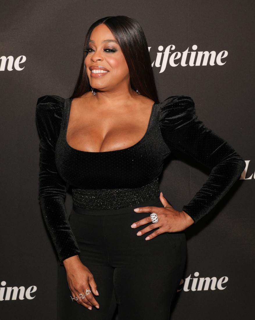 Niecy Nash attends Robin Roberts Presents Stolen by My Mother photo by CJ Rivera 1