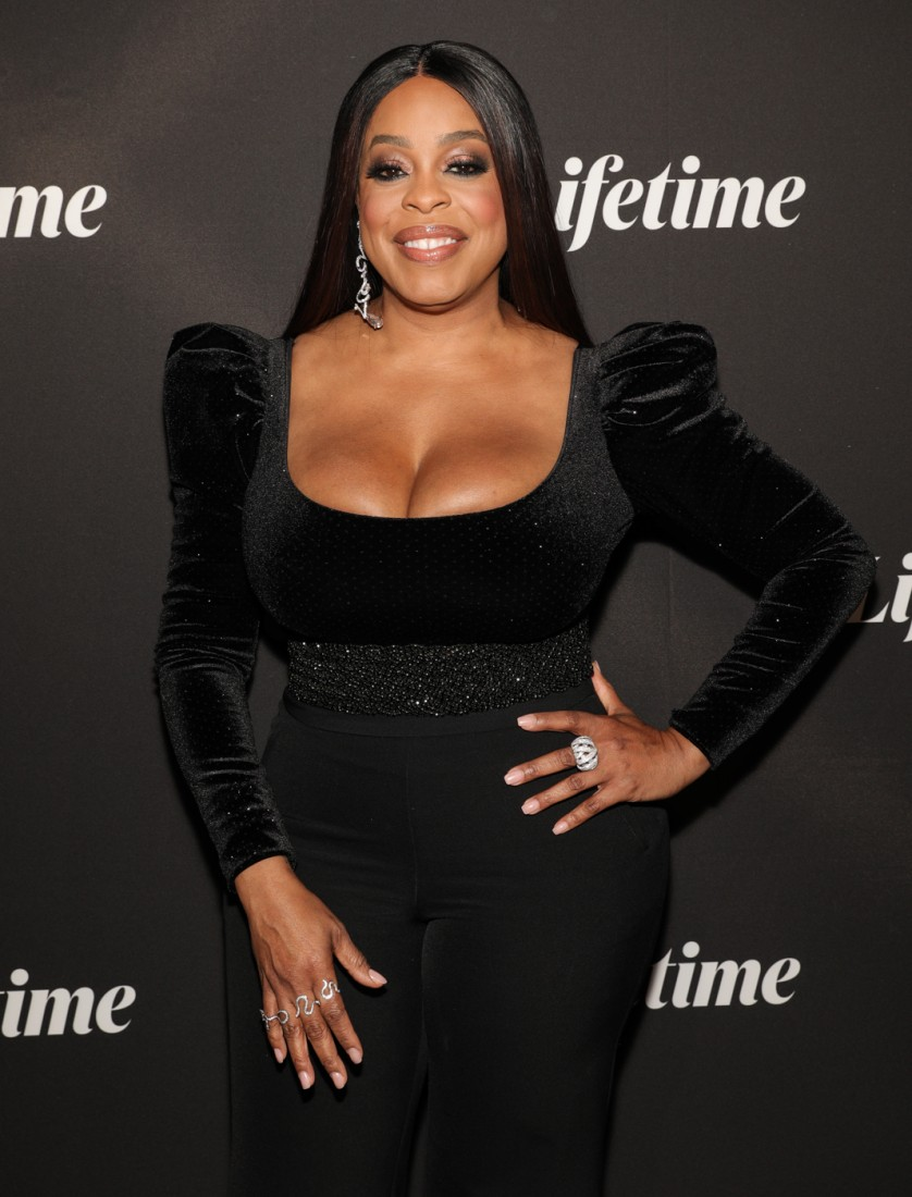Niecy Nash attends Robin Roberts Presents Stolen by My Mother photo by CJ Rivera 2