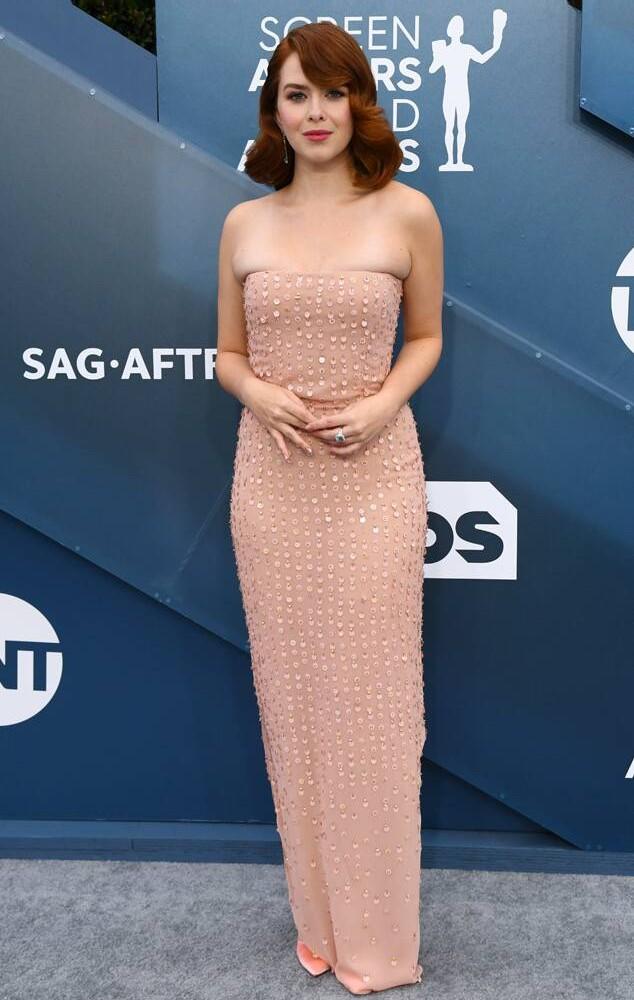 rs 634x1024 200119151329 634 2020 SAG Awards red carpet fashions Elizabeth McLaughlin