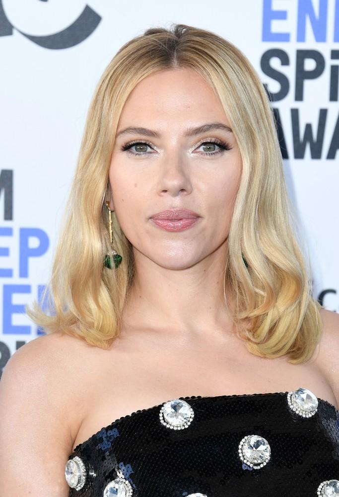 ScarlettJohansson2020FilmIndependentSpiritKEMuXGCtvrqx