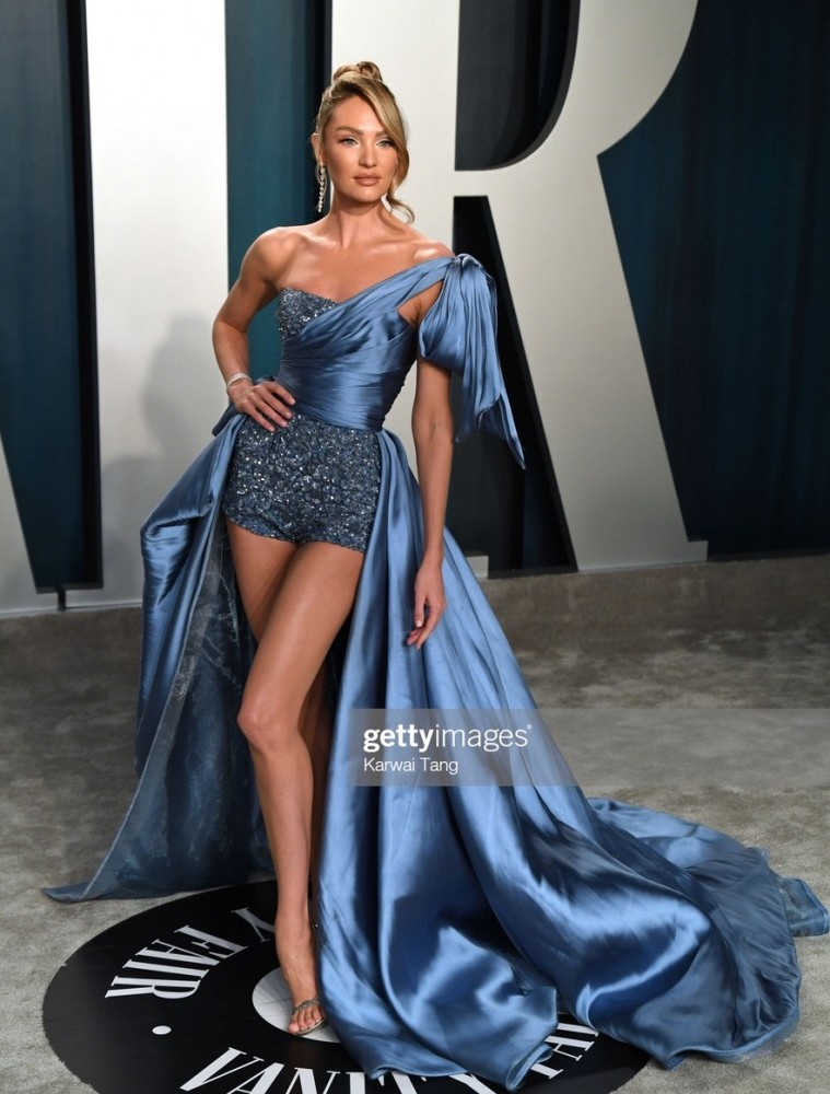 candice swanepoel arriving for the 2020 vanity fair oscar party by picture id1205203330