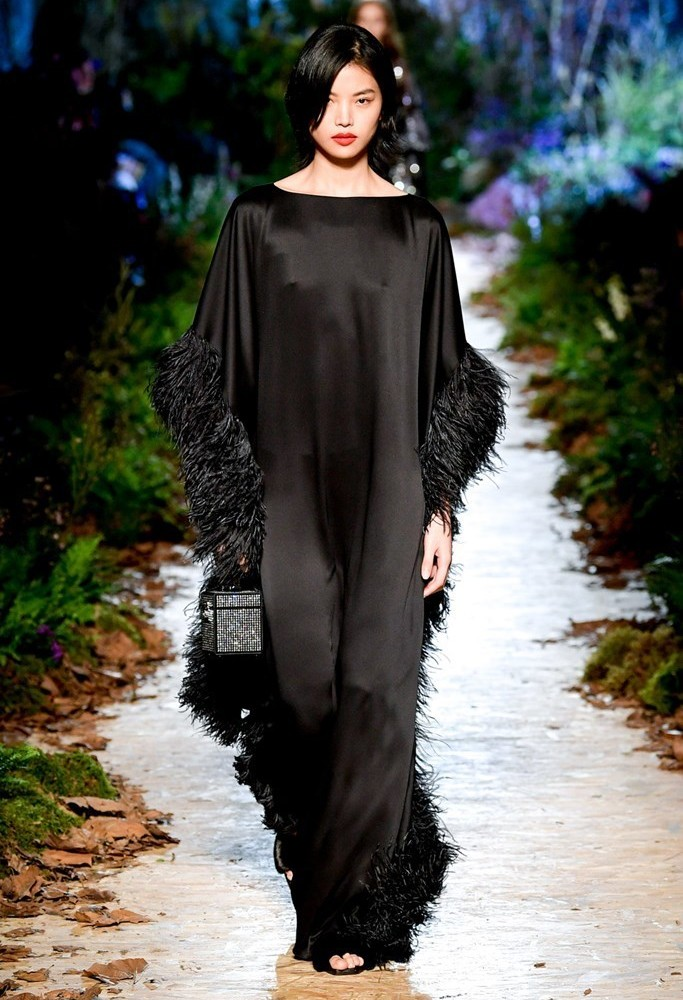 Ralph Russo London FW2020 photo by IMAXTRee 41