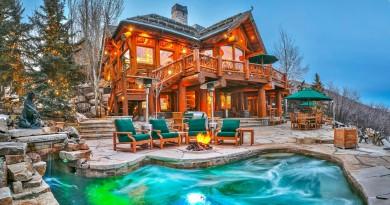 Mitt Romney's Utah Mountain Ski Home 1