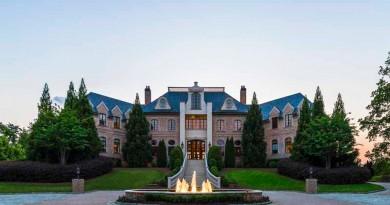 Versailles Mansion 1