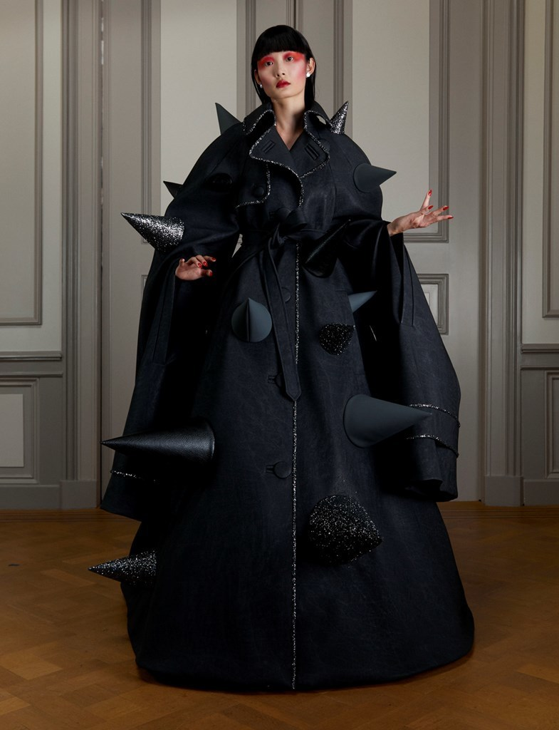 Viktor Rolf ANXIETY FW2020 photo by IMAXtree 3
