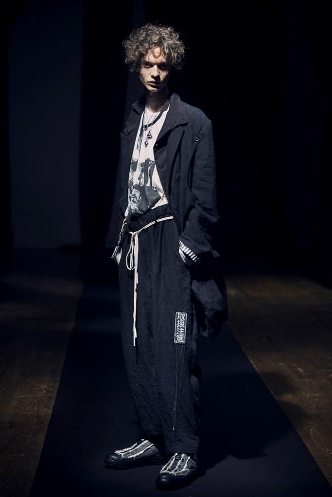 Yohji Yamamoto Paris SS2021 photo by IMAXTree 1