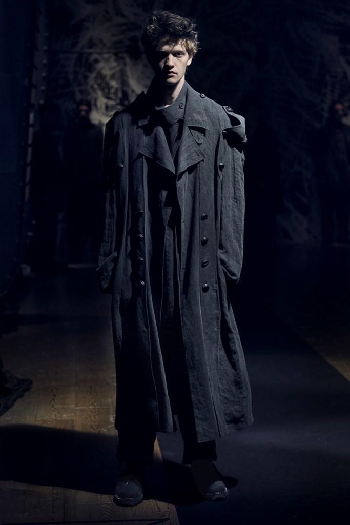 Yohji Yamamoto Paris SS2021 photo by IMAXTree 15