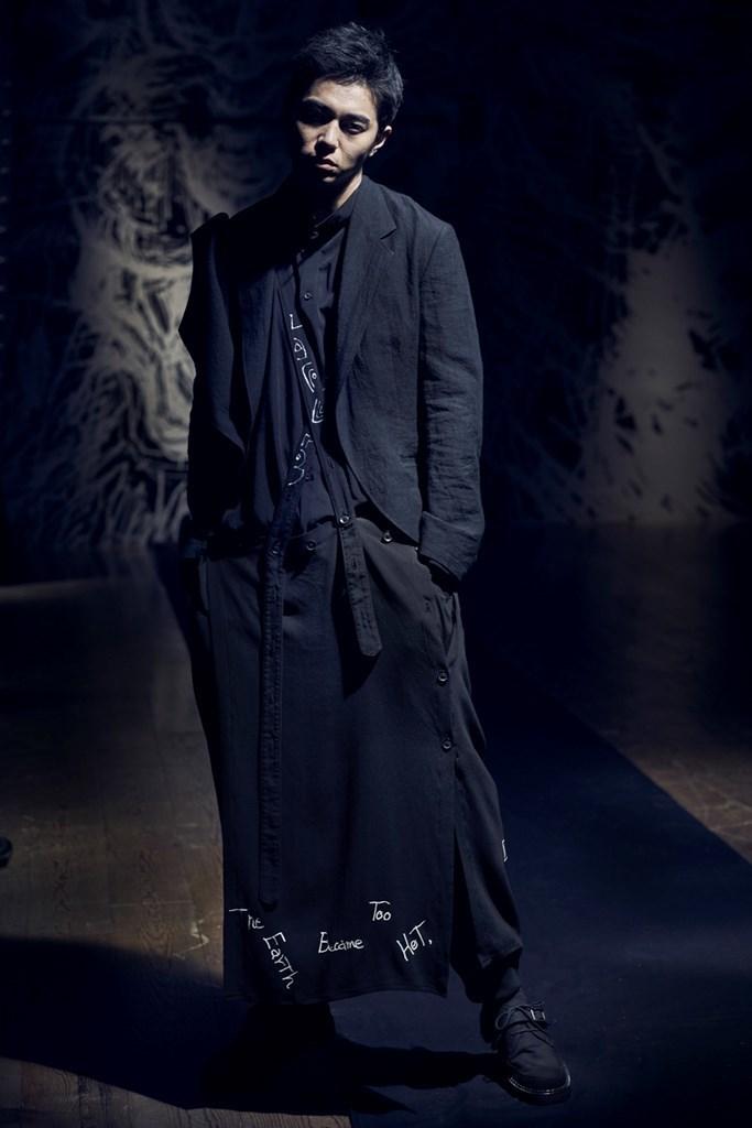 Yohji Yamamoto Paris SS2021 photo by IMAXTree 17