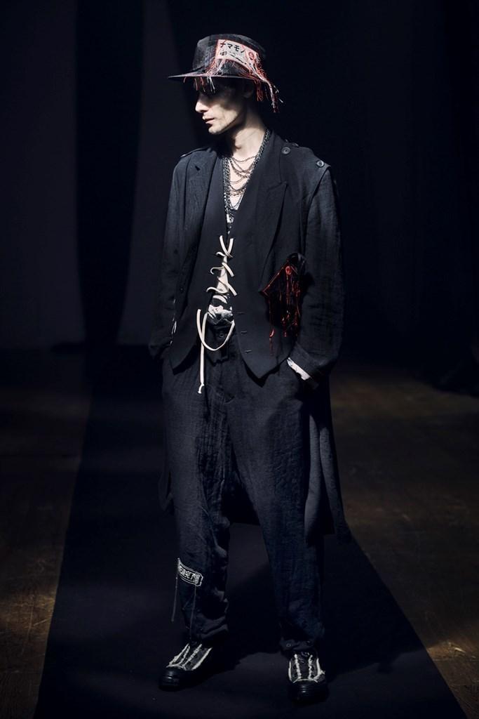 Yohji Yamamoto Paris SS2021 photo by IMAXTree 3