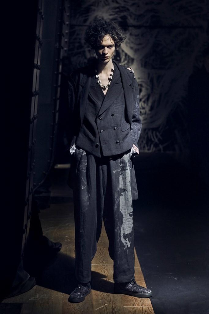 Yohji Yamamoto Paris SS2021 photo by IMAXTree 7