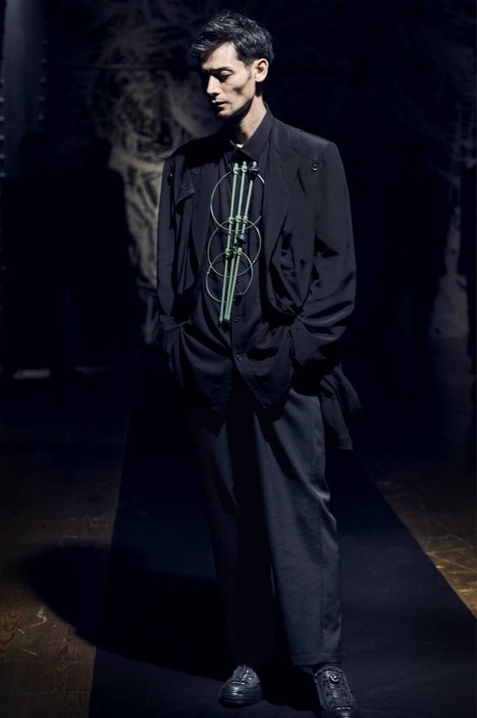Yohji Yamamoto Paris SS2021 photo by IMAXTree 8